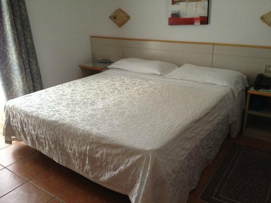Hotel Portofino: Letto