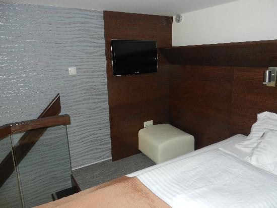 Hotel Soleil Szeged: Bed in loft