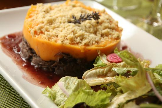 Les Alizes: crumble de canard confit aux patates douces