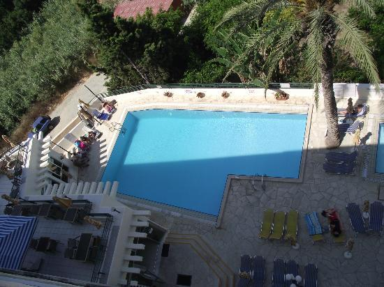 Agapinor Hotel: Pool from balcony of room