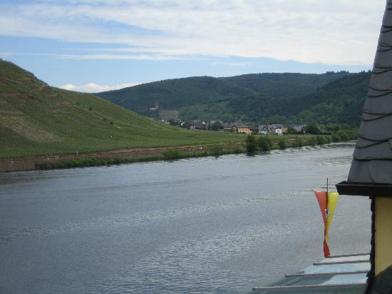 Mosel-Landhaus: Castle view from bedroom