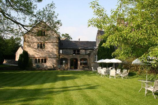 Biggin-by-Hartington, UK: Biggin Hall from the lawn