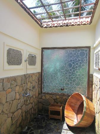Cassia Cottage - The Spice House: Open air shower attached to bathroom