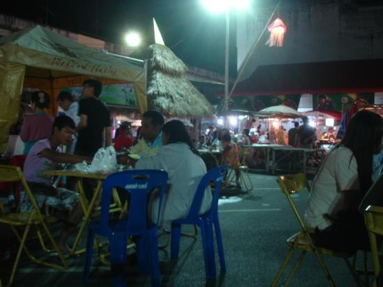Krabi Cozy Place Hotel: Walking Street Friday night