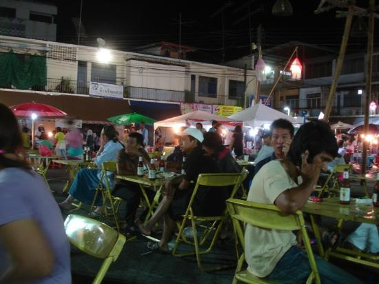 Krabi Cozy Place Hotel: Friday night Walking street