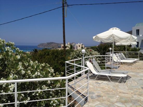 Hotel Plakures : pool view