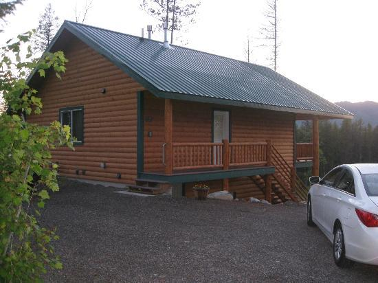 Glacier Outdoor Center: entrance to cabin