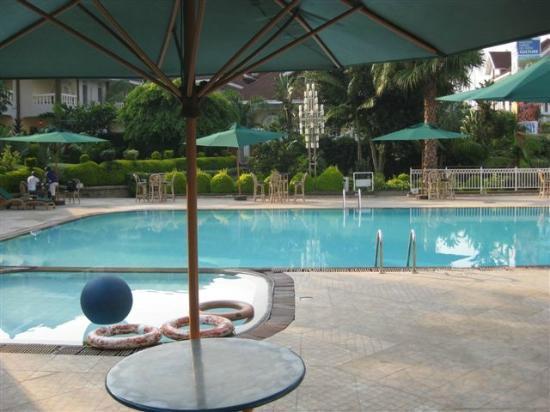Hotel Ihusi: Pool