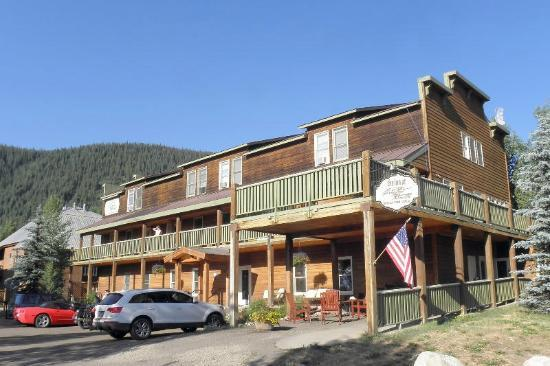 Street view of Inn at Crested Butte