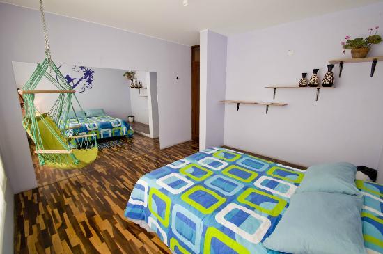 Peru Road Trip Bed & Breakfast: Surf Room