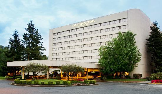 Photo of DoubleTree Suites by Hilton Hotel Seattle Airport - Southcenter