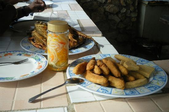 Hellshire Beach: Jamaican home-made pick-a-pepper sauce,