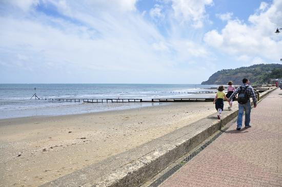 Eastmount Hall Hotel: Shanklin Beach a short walk away
