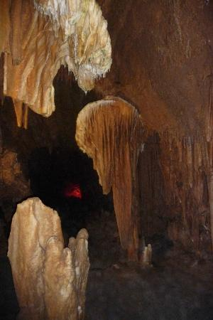 Grottoes, Virginie: another shield