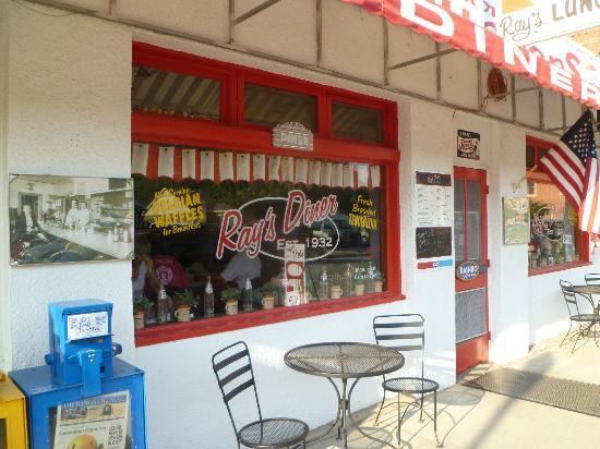 Ray's Lunch : Front window
