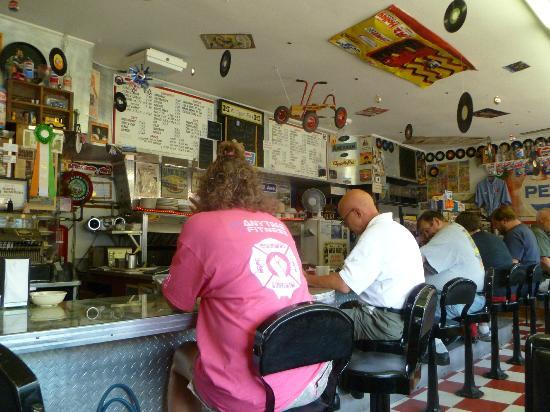Ray's Lunch : Counter service