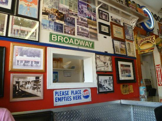 Ray's Lunch : 50's Decor