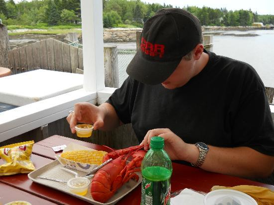 Miller's Lobster Co. : 1-1/2 Pounds of Hard Shell Goodness