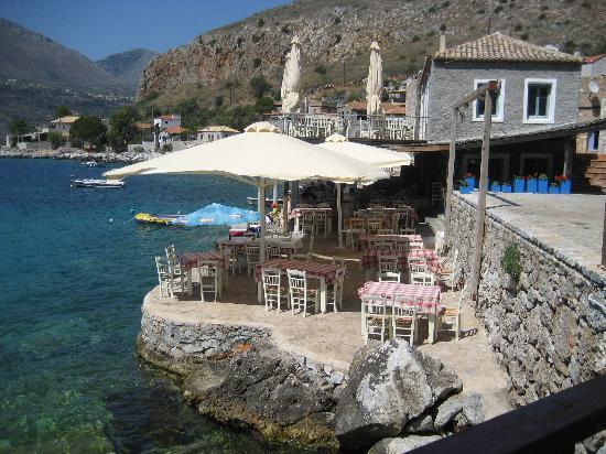 Takis To Limeni: view on the Takis restaurant