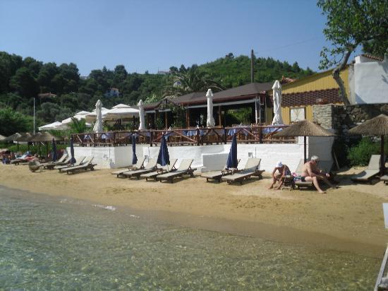 Plaza Skiathos Hotel: Kanapista beach & Taverna