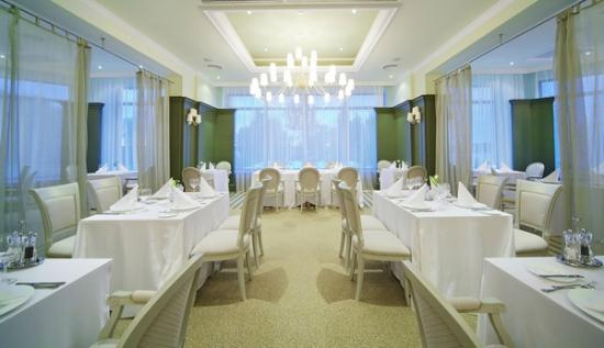 Rozhdestveno, Russia: Brasserie La Croisette