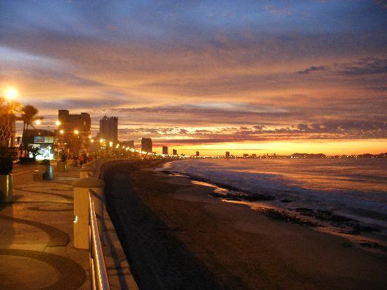 Sunrise on the Malecon