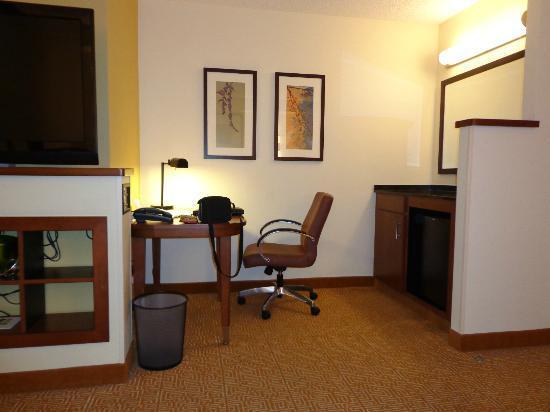 Hyatt Place San Antonio Airport/Quarry Market: Room Pic 2