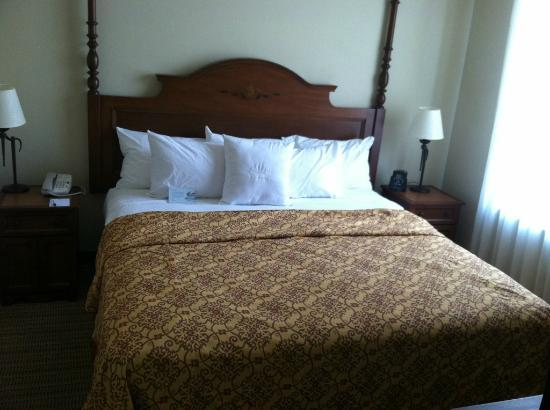 Homewood Suites by Hilton Palm Desert: One Bedroom Suite- Very Comfy/Cozy Bed