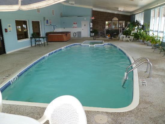 Super 8 Bethany MO: Indoor Pool
