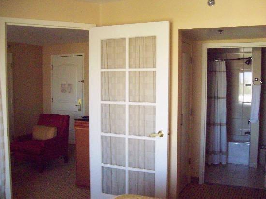 Anaheim Marriott Suites: King room 