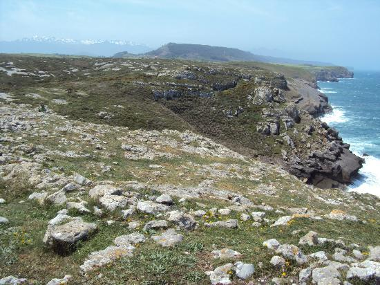 Posada Rural Punta Linera: walk along the sea