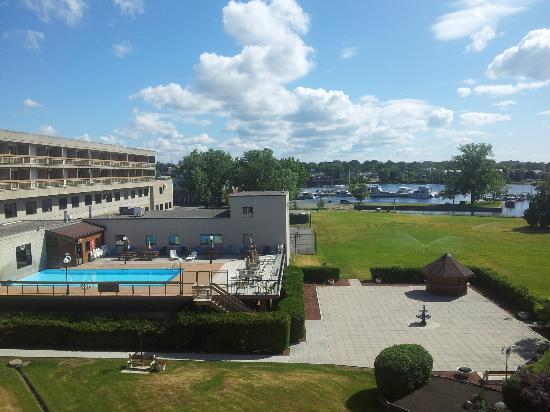 Hotels In Belleville Ontario With Pool