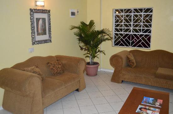 Aupic Paradise: lobby area