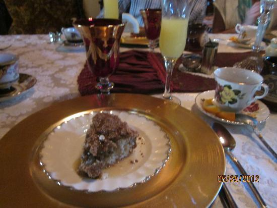 Alexander Mansion Bed & Breakfast: Frittatas and delightful side dishes for a peaceful brunch