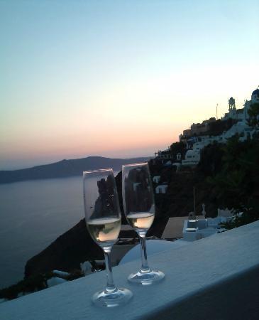 أفيانتو سويتس: Welcome drinks 