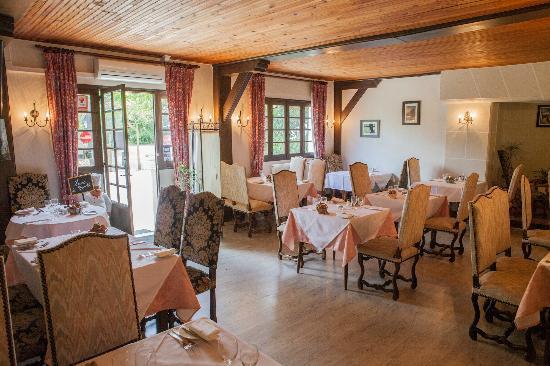 Relais de Gabillou: notre salle de restaurant