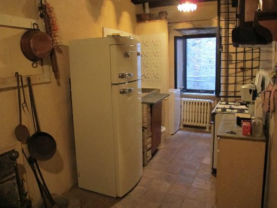 La Preta Nera: Kitchen area