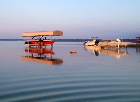 The Nest on Lake Weir: Neighbor's boat docks