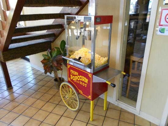 Sun City Inn & Suites: Free Popcorn daily