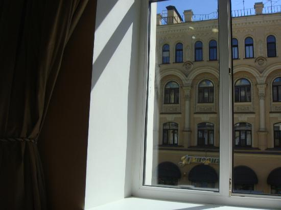 Club Hotel Agni: window