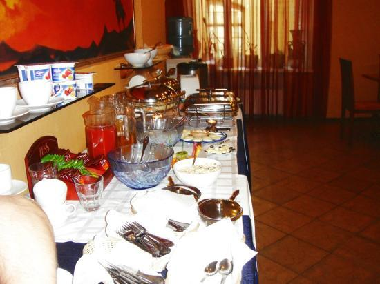 Club Hotel Agni: basic breakfast which is fine