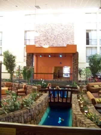 Holiday Inn Sheridan - Convention Center: Lobby
