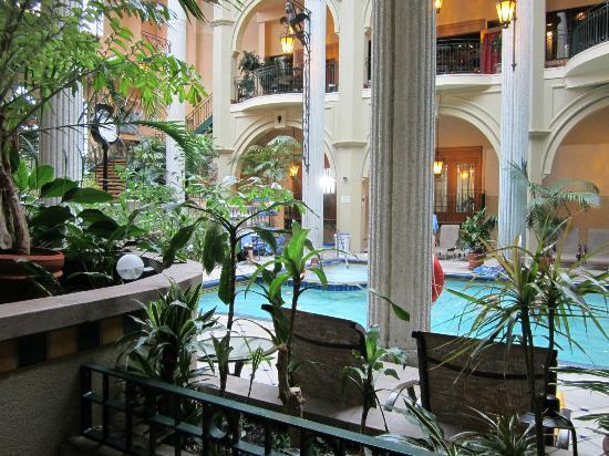 Hotel Plaza Quebec: Piscine intérieure