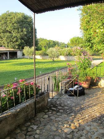 Au Relais Saint Georges: giardino