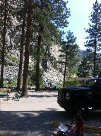 Gallagher Lake Resort : from our full hook up site