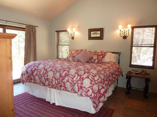 Antler Ridge Resort Cabins