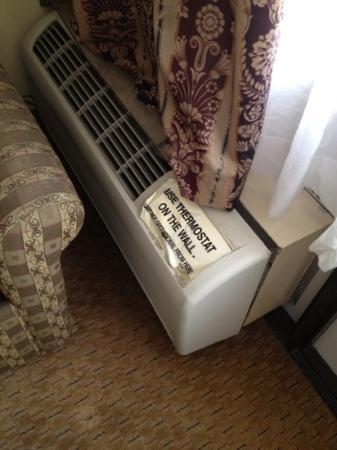 Charleston Airport Hotel: ac