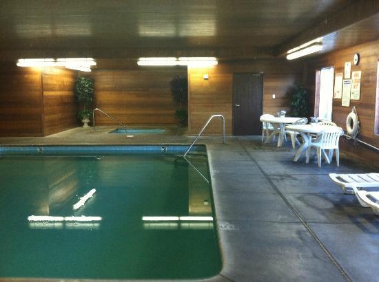 BEST WESTERN PLUS Rama Inn & Suites: Indoor Pool Area