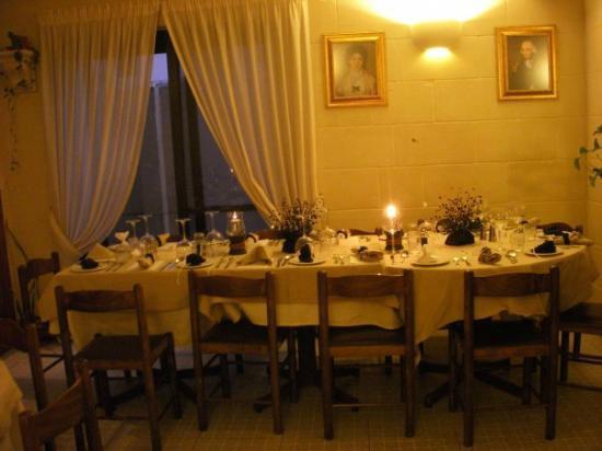 Da Manuel Restaurant: The dining area
