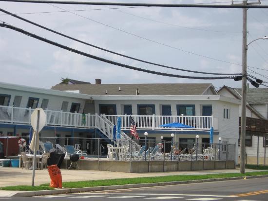 Surf 16 Motel : Pool area